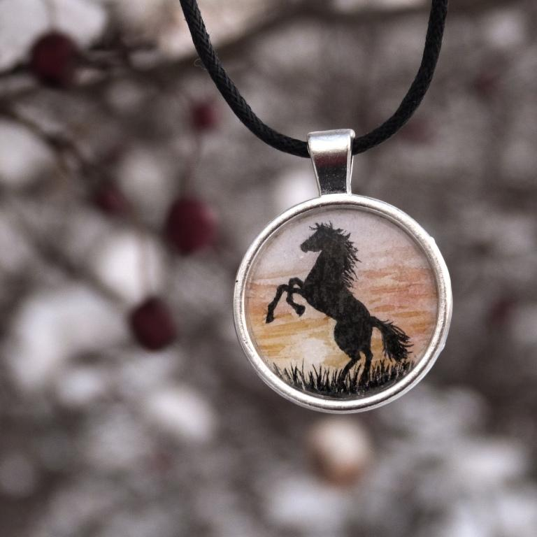 naszyjnik koń akwarela watercolour pendant horse