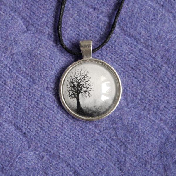 wisior pendant black and white tree